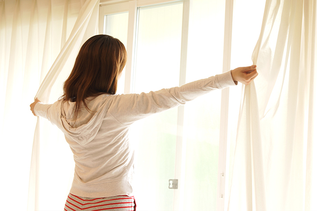 寝起きカーテン