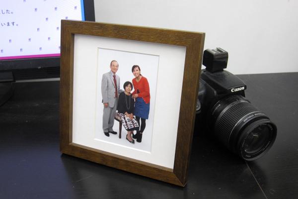 もうじき敬老の日、おじいちゃん、おばあちゃんと家族写真いかが?