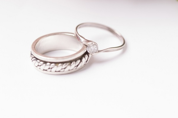 指輪とサイドリング