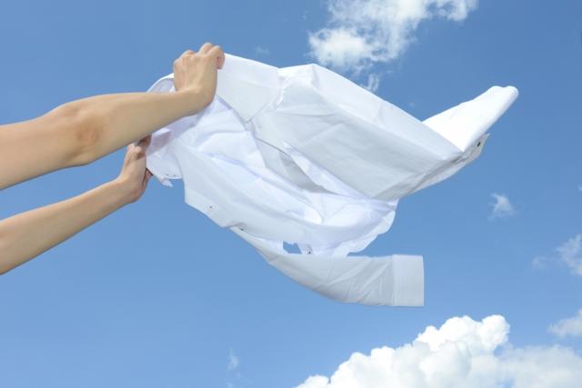 洗濯するシャツ